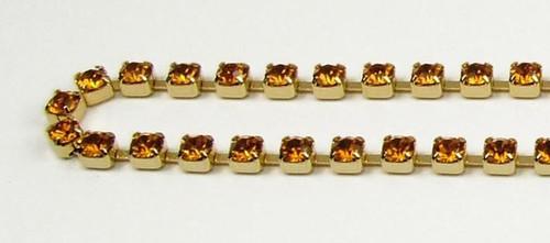 24PP (3.2mm) Topaz rhinestone chain, 62 stones per foot