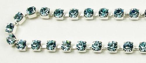 32PP (4.1mm) Aqua rhinestone chain, 48 stones per foot,