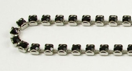 24PP (3.2mm) Jet rhinestone prongless chain, 62 boxes per foot