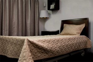 Single Quilted Bedspread with Pillowcase, Beige, 180x257cm. 10 pcs per carton
