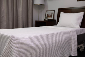 100% Cotton Waffle Blanket, White, Single, 188x265cm 10 pieces per carton