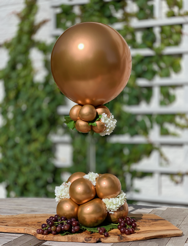 Balloon boutique Centrepiece with flowers