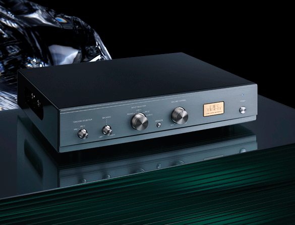 AirTight ATC-5 Reference PreAmplifier. Now at True Audiophile.