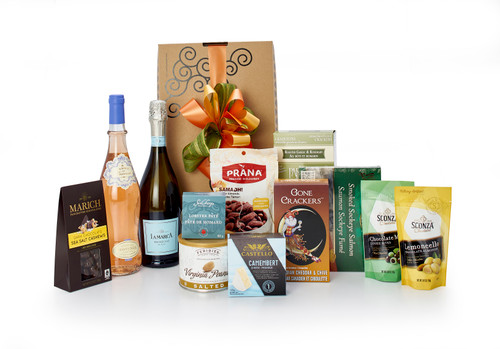 Gourmet gift basket featuring La Marca prosecco & Fabre en Provence Côtes de Provence Rosé, and sweet and savoury snacks (chocolate, crackers, nuts, etc.), packaged in signature Green & Green gift box with ribbon and bow.