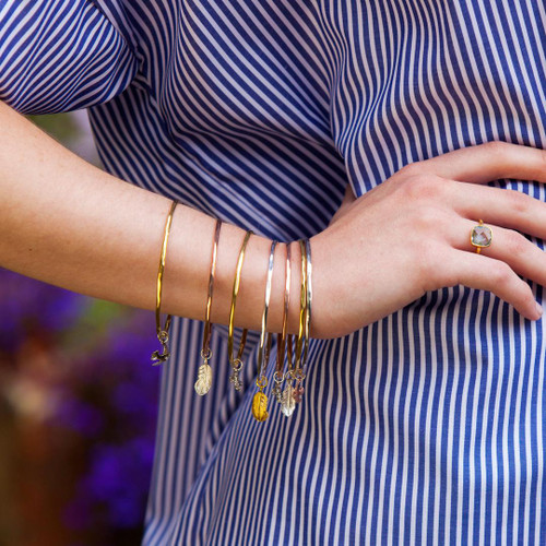 LILY BLANCHE Feather Bangle gold modelled