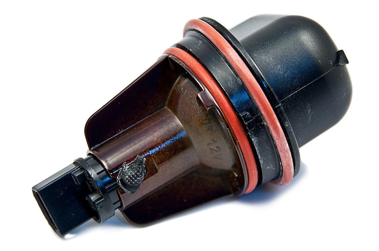 GTV INVESTMENT 7 E65 Front Parking Light Angel Eye Bulb 63126916097 6916097 NEW GENUINE
