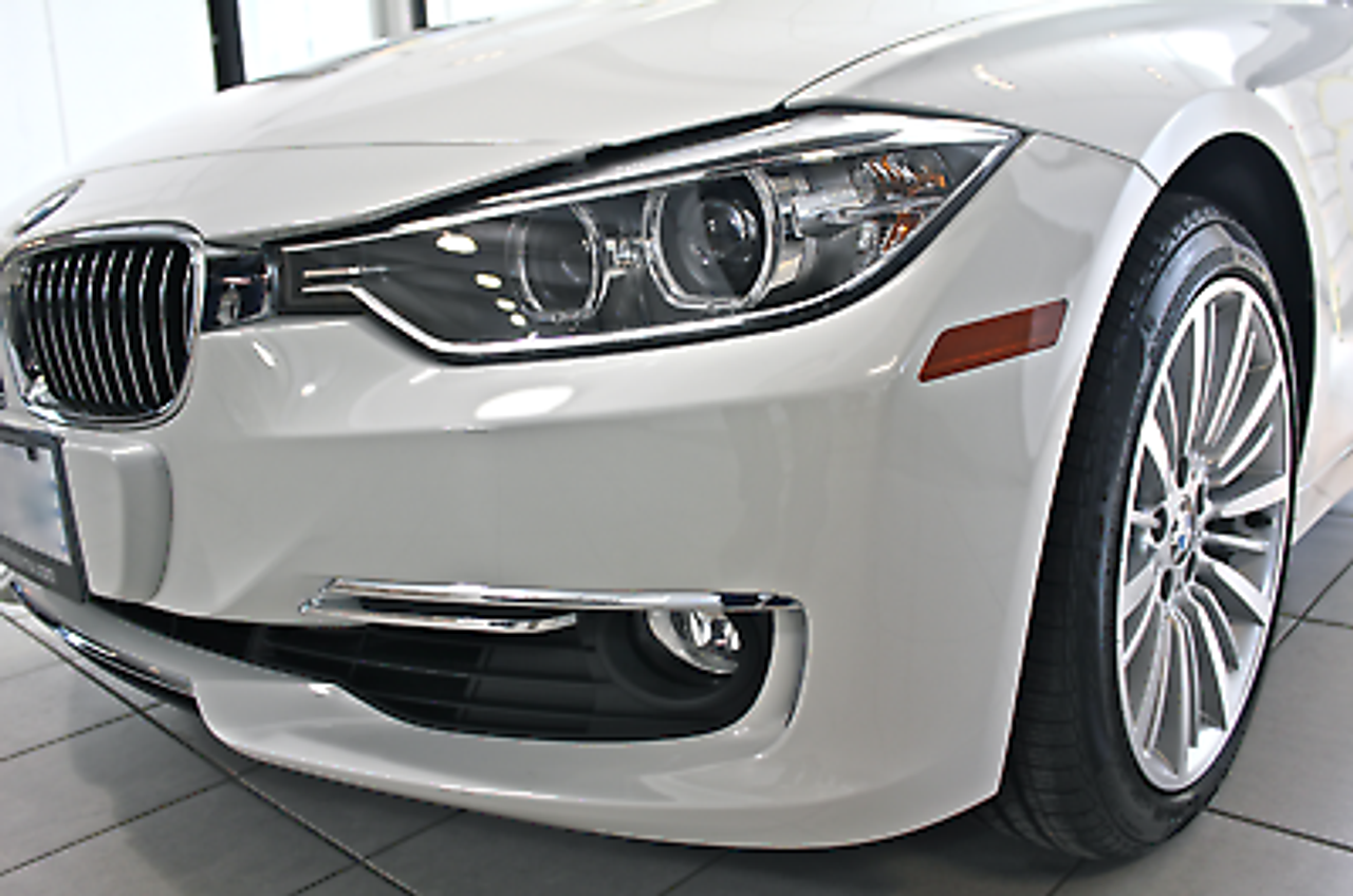 Genuine BMW Luxury Line Front Lower Bumper Chrome Trim - LEFT 51117279698