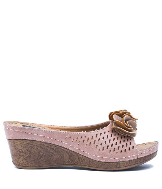 Juliet Low Wedge Sandal in Blush