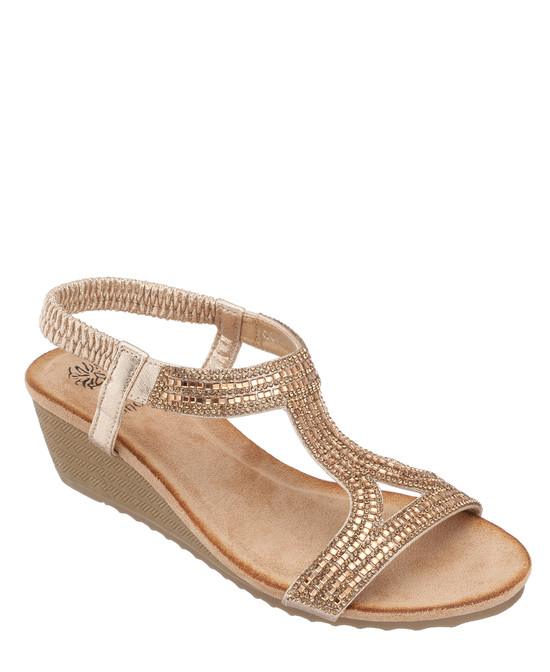 Coretta Wedge Sandal In Gold