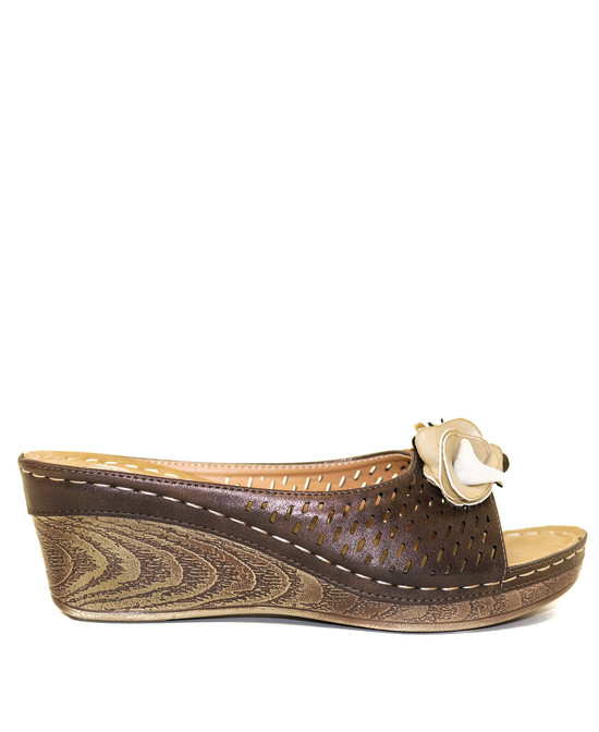 Juliet Low Wedge Sandal in Bronze