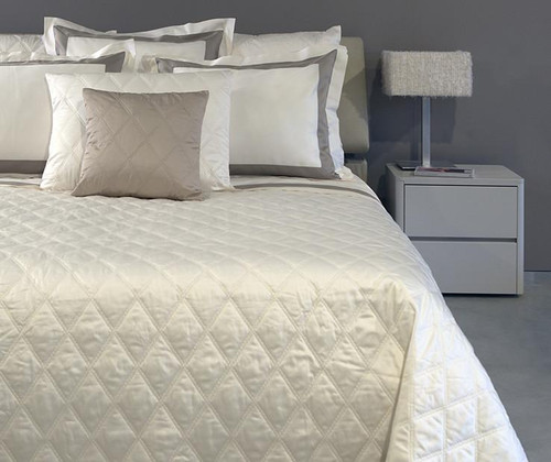 Filicudi Sateen Quilted Coverlet   Ivory