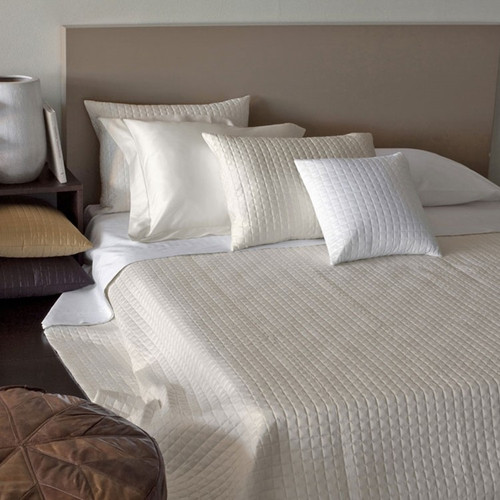 Masaccio Quilted Coverlet Collection   26 Colors