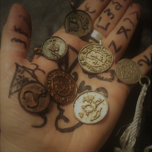Chamijels Lemegeton Theurgia Goetia cast metal seal pendant