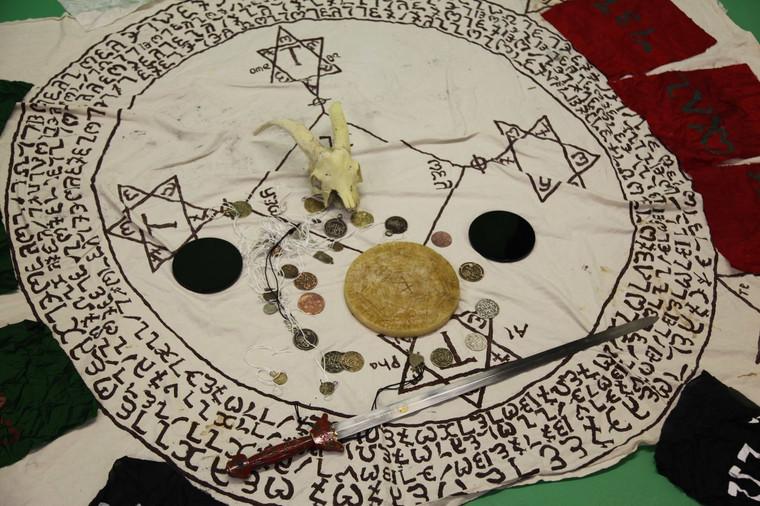 Daemon Demon Patron divination