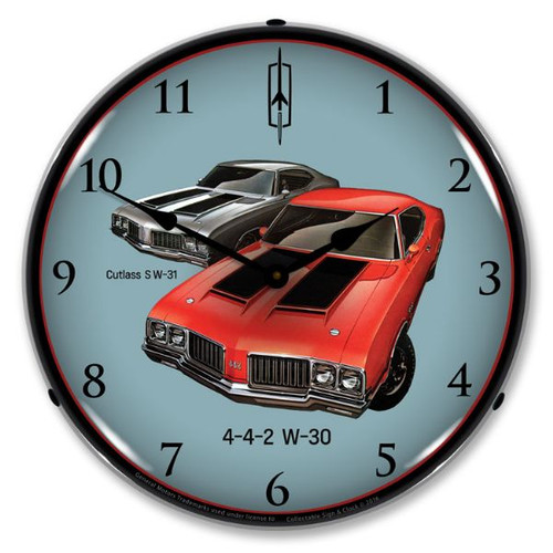 1970 442 W-30 and W-31 Lighted Wall Clock 14 x 14 Inches