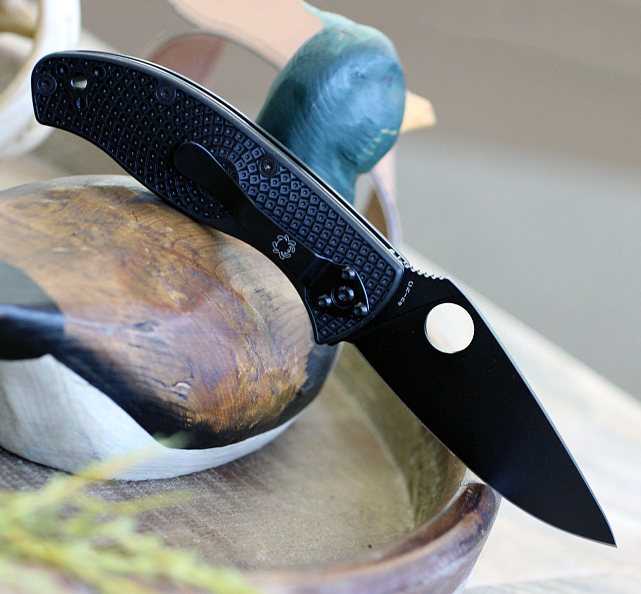 "Spyderco Tenacious Lightweight C122PBBK, 3.39"" 8Cr13MoV Black Plain Blade, Black FRN Handle"