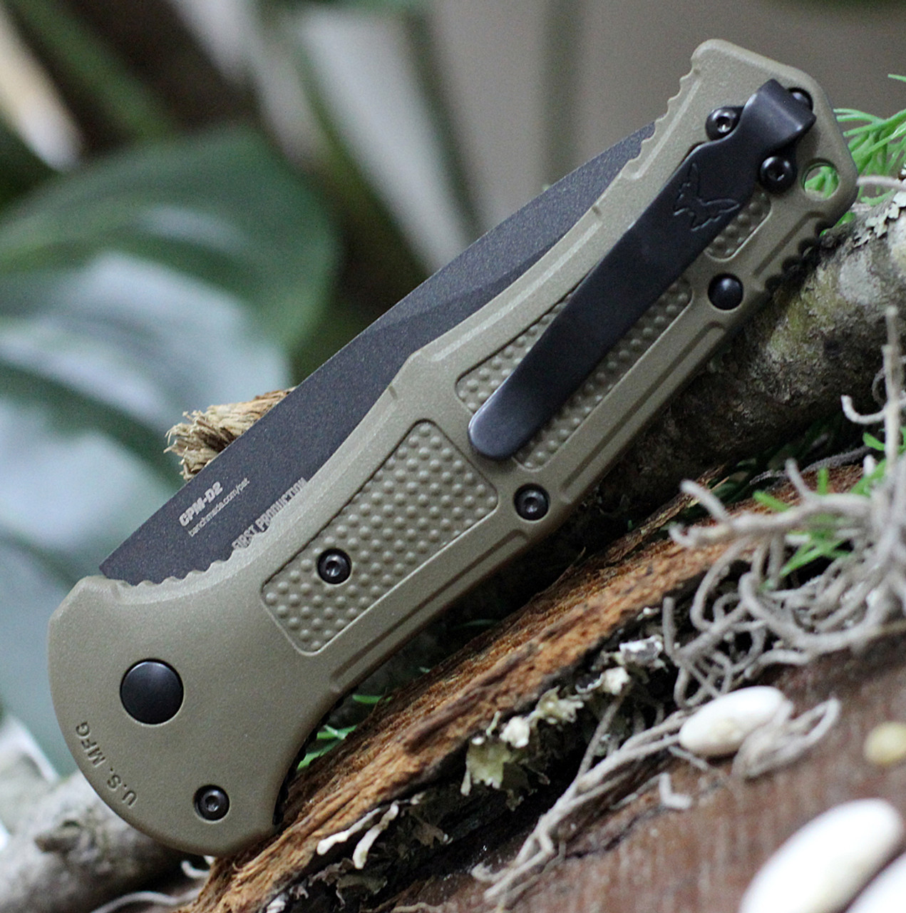 """Benchmade Claymore 9070SBK-1, 3.64"""" Black D2 Steel Partially  Serrated Blade, Green Ranger Grivory w/SS liner Handle"""
