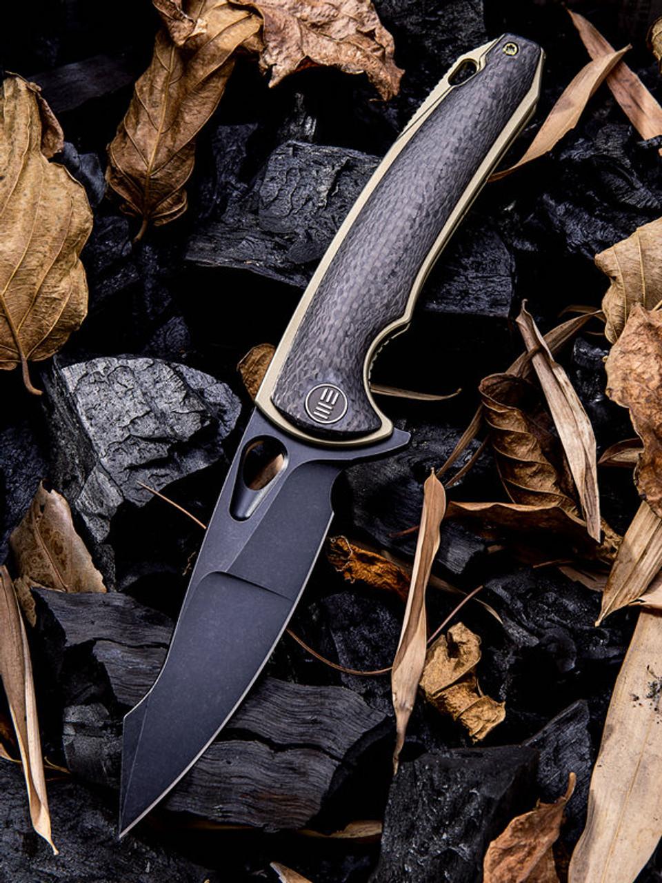 "We Knife 810D Yucha, 3.9"" CPM-S35VN Black Plain Blade, Carbon Fiber/Gold Titanium Handle"