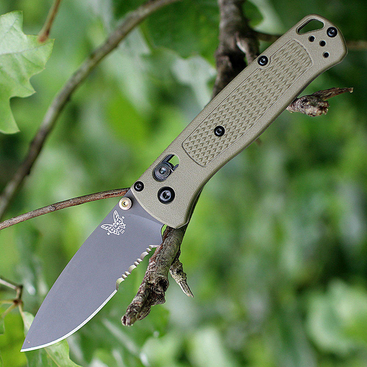 """Benchmade 535SGRY-1 Bugout, 3.24"""" CPM-S30V Part Serrated Gray Blade, Ranger Green Grivory Handle"""