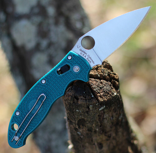 "Spyderco Manix 2 Lightweight CPM SPY27 - C101PCBL2, 3.37"" CPM SPY27 Satin Plain Blade, Blue FRCP Handle"