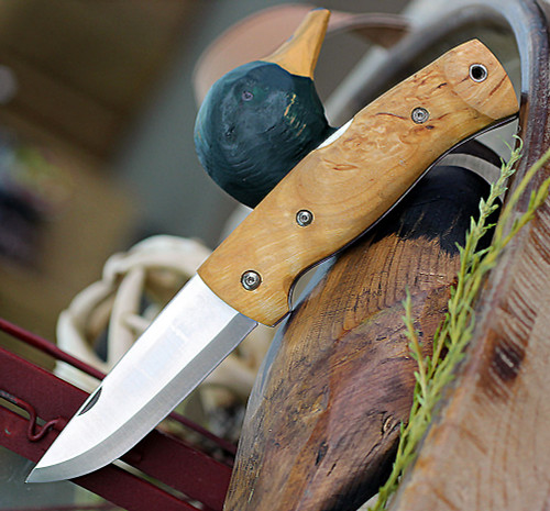 "Helle Bleja 625, 3.35"" Triple Laminated Stainless Steel Drop Point Plain Blade, Curly Birch Handle"