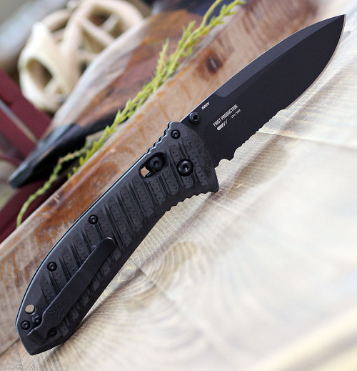 "Benchmade 570SBK-1 Presidio II, 3.72"" CPM-S30V Black Combo Blade, CF-Elite Handle"