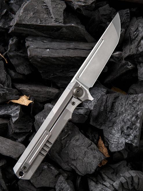 "We Knife Syncro Framelock Folder 909C, 3.85"" CPM-S35VN Standard Stonewash Plain Blade, Gray Titanium Handle"