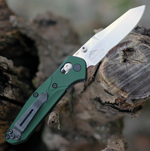 "Benchmade Mini Osborne 945, 2.92"" CPM-S30V  Satin Plain Blade, Green Aluminum  Handle"