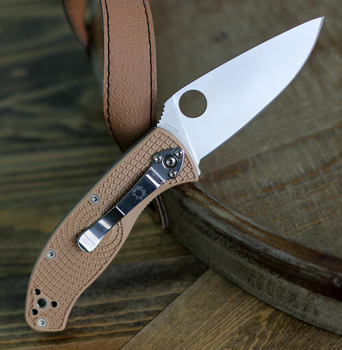 "Spyderco Tenacious Lightweight, C122PTN 3.39"" Plain Blade, Tan FRN Handle"