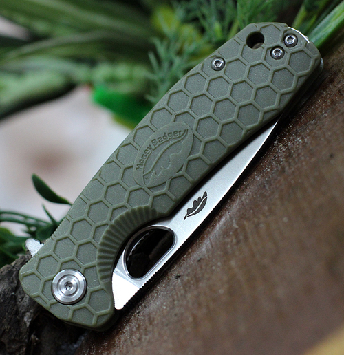 """Honey Badger Knives Medium Flipper HB1013, 3.19""""  8Cr13MoV Satin Drop Point Plain Blade, Green FRN Handle"""