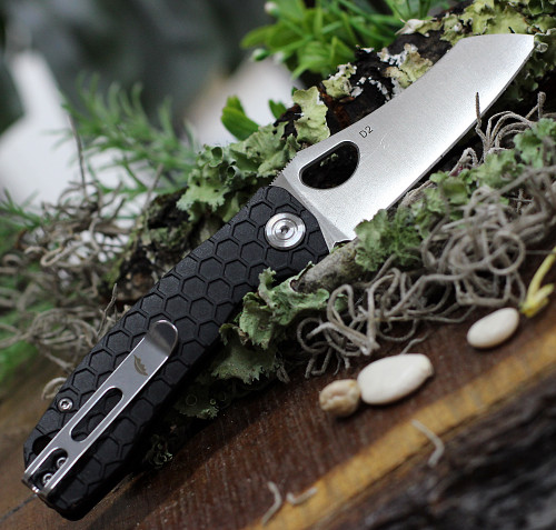 """Honey Badger Knives Small D2 Wharncleaver Flipper HB1167, 2.75"""" D2  Wharncleaver Blade, Black FRN Handle"""