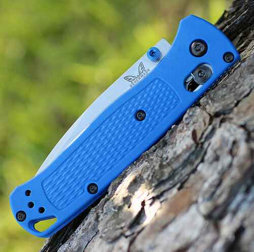 "Benchmade Bugout 535, 3.24"" CPMS30V Plain Blade, Blue Grivory Handle"