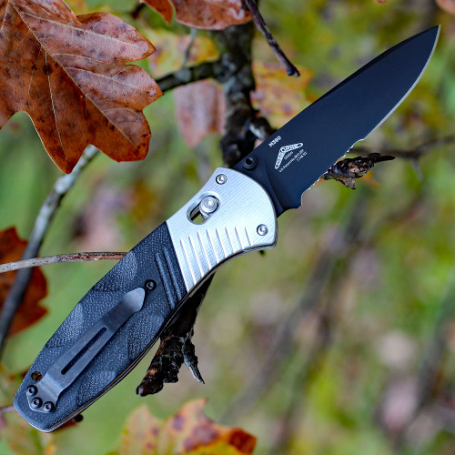 Benchmade Barrage 581SBK, 3.6 in. M390 Stainless Blade, Assisted Opening, Black Combo Edge-Discontinued