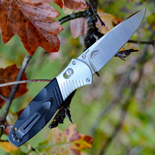 Benchmade Barrage 581, 3.6 in. M390 Stainless Blade, Assisted Opening, Plain Edge