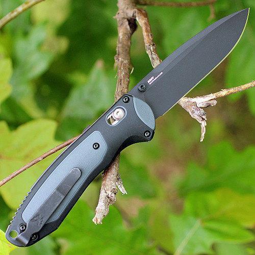 Benchmade 590BK BOOST, 3.7 in. CPM-S30V Black Plain Blade, Dark gray Grivory Handles