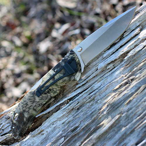 "Buck 286CMS26 Bantam BHW, 3.75"" 420HC Plain Blade, Kryptek Highlander Camo"