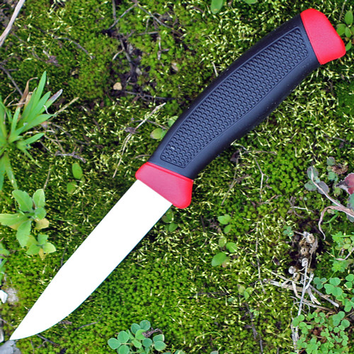 "Mora Clipper 840, 4"" Carbon Steel Plain Blade, Black/Red Rubber Handle"