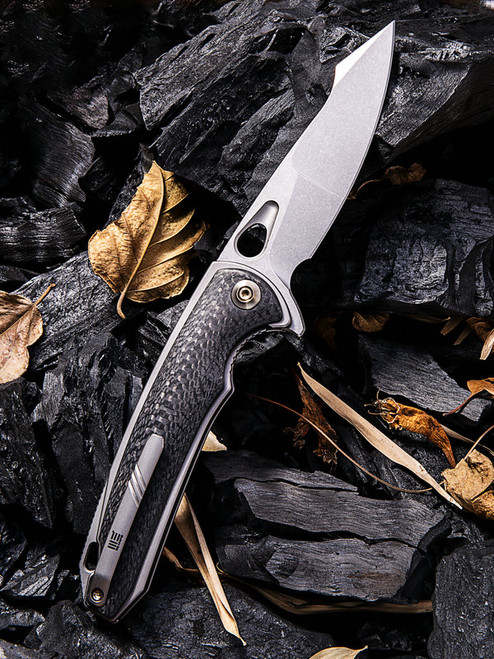 "We Knife 810E Yucha, 3.9"" CPM-S35VN Plain Blade, Carbon Fiber/Grey Titanium Handle"