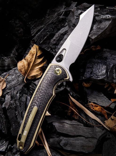 "We Knife 810C Yucha, 3.9"" CPM-S35VN Plain Blade, Carbon Fiber/Gold Titanium Handle"