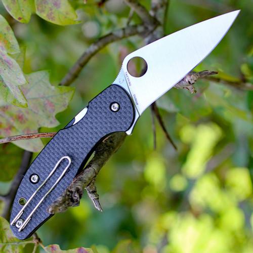 "Spyderco C233CFP Mantra 3, 3.17"" CPM S30V Plain Blade, Carbon Fiber/G-10 Handle"