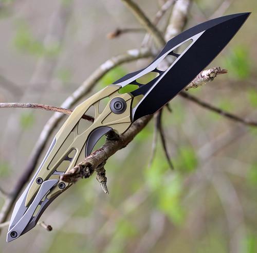 "WE Knife 906A Arrakis, 3.45"" M390 Black/Satin Plain Wharncliffe Blade, Gold/Grey Titanium Handle"