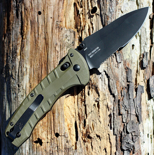 "Benchmade 980SBK Turret Axis Lock, 3.70"" CPM-S30V Black Serrated Blade, Olive Drab G10 handles"
