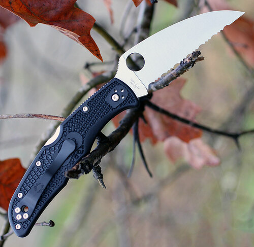 "Spyderco C10FSWCBK Endura 4 Wharncliffe, 3.78"" VG-10 Serrated Blade, Black FRN Handle"