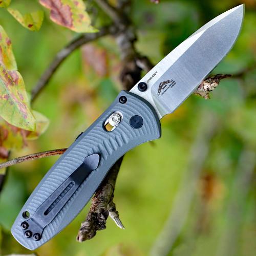 Benchmade Mini Barrage G10 Folder 585-2, 2.91 in. CPM-S30V Blade, Gray Handle, Plain Edge