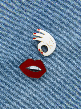 Lips & Gesture Design Brooch Set A1