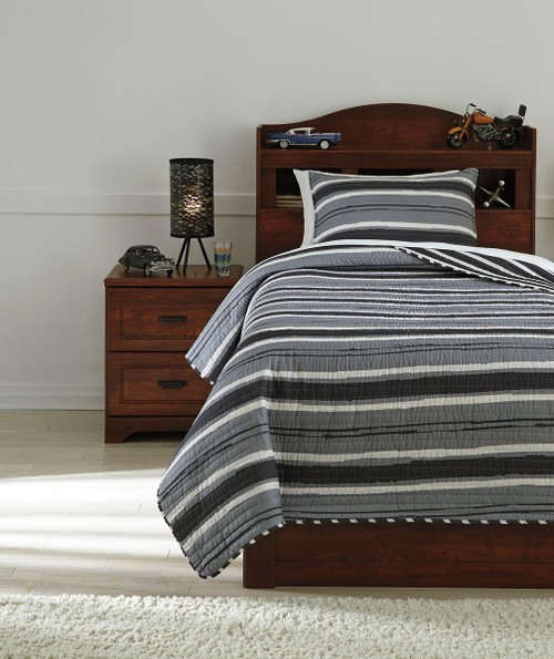 Ashley Merlin Gray/Cream Twin Coverlet Set
