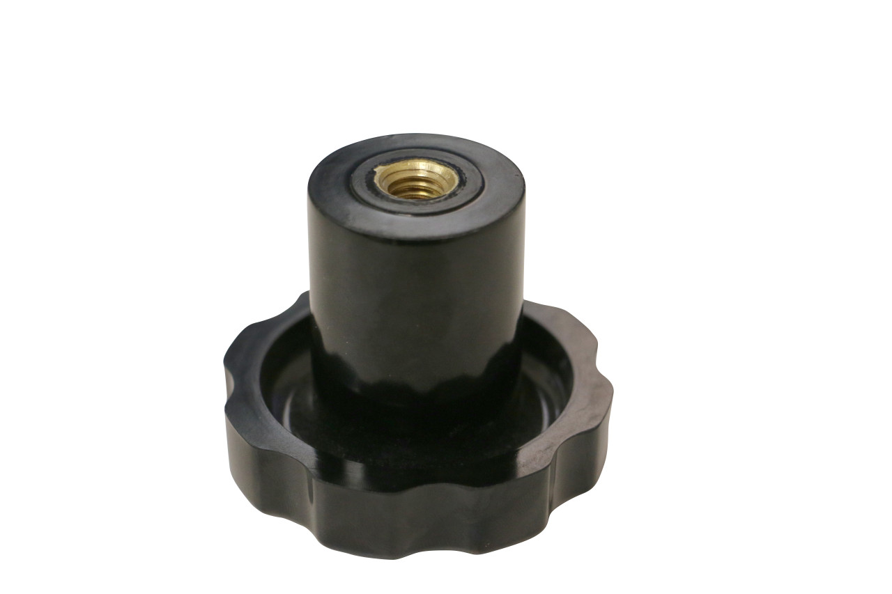 This is a direct replacement tightening knob for Backsaver brand chairs. This knob can be used on the Backsaver 6700 and 6750 model chairs.