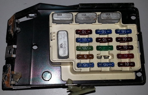 Fuse Box with Fuses - Dash - 1989 - 1993 Thunderbird and Cougar - WWW.TBSCSHOP.COM