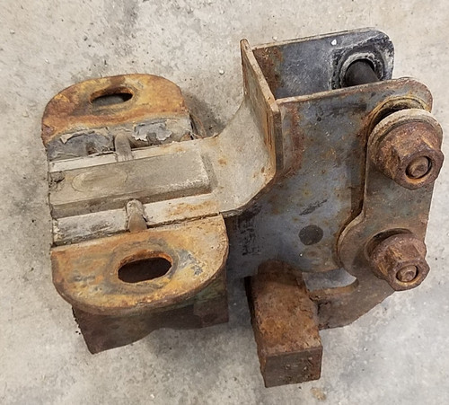 Lincoln Mark VIII - 8.8 Differential / Carrier Rear Mount - 1993 - 1998 - WWW.TBSCSHOP.COM