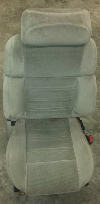 Seat Front - Passenger Side - Gray Cloth - Full Power - Motors Included - Grade B - SE0048 - WWW.TBSCSHOP.COM